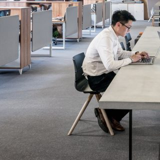 Design a collaborative workplace without team distractions